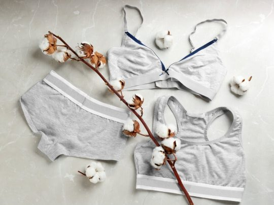 Cotton panty and bra set with a cottontail