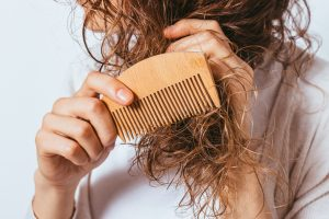 The 9 Best Combs For Curly Hair [Bye-Bye Tangles!]