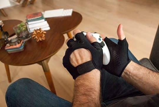 Foamy Lizard Gaming Gloves