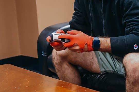 SLEEKZ Moisture-Wicking Gaming Gloves