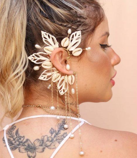 Flower and shell ear cuff with pearls hanging down